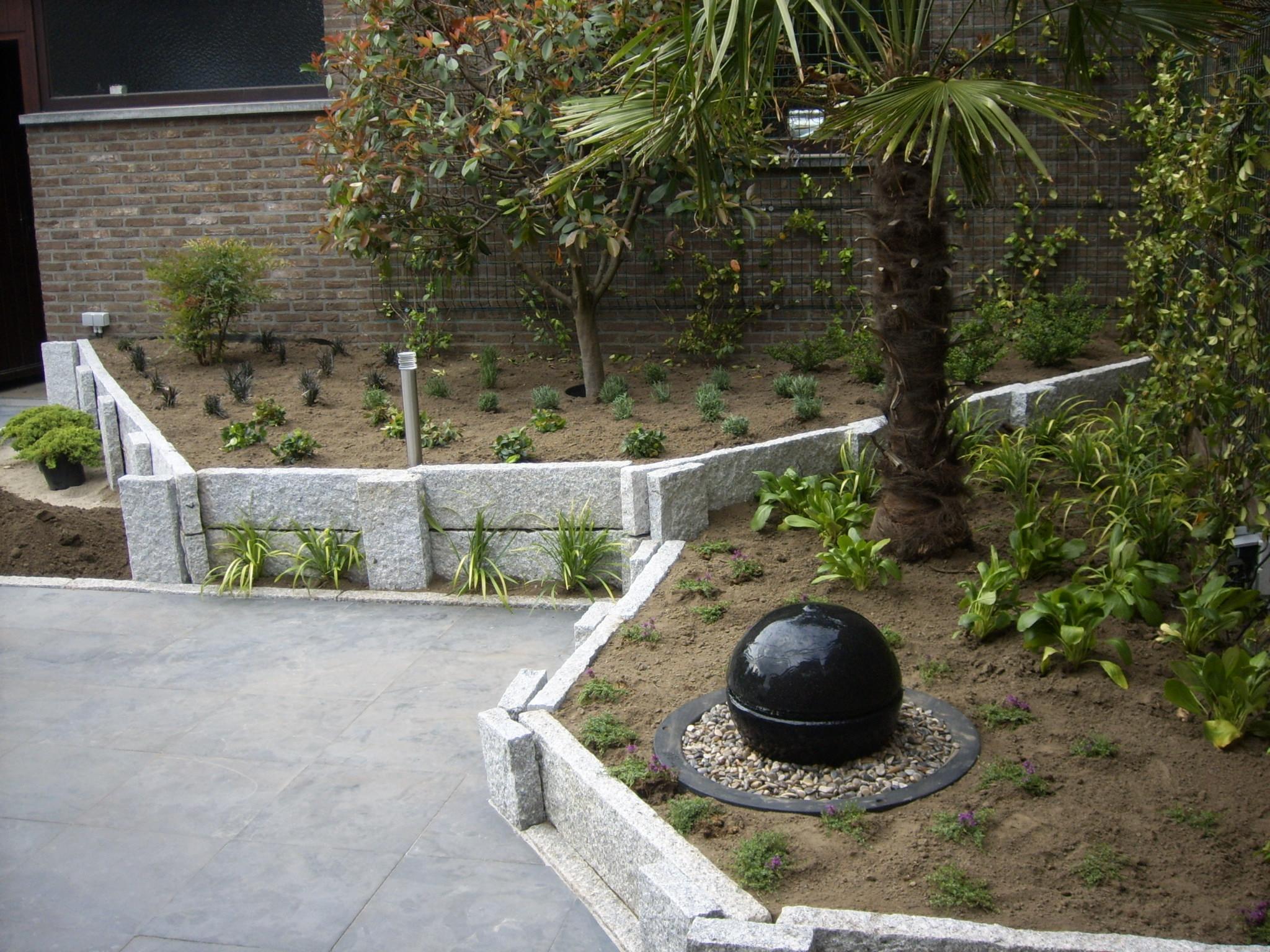 Dhiba tuinen en vijvers for Trap tuin aanleggen